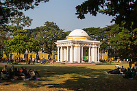 Azad Maidan is a domed monument built by the Portuguese in 1843. Today Azad Maidan shows a memorial dedicated to freedom fighter Tristao de Bragança Cunha a Goa hero. These days the square is a favorite spot for various types of protests in Goa, where different opinions are voiced and issues discussed, or open screaming matches at supposed injustices.