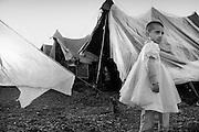 A little girl in the temporary field hospital in Mansehra. <br /> Mansehra - Nov. 2005