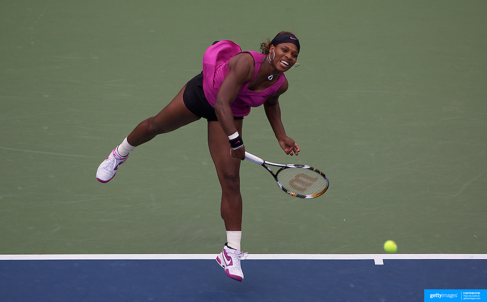Serena Williams, USA, in action against Alexa Glatch, USA, during the first round match at the US Open Tennis Tournament at Flushing Meadows, New York, USA, on Monday, August 31, 2009. Photo Tim Clayton.