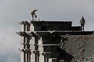 25/09/14 - SOMMET DU PUY DE DOME - PUY DE DOME - FRANCE - Travaux sur le Temple de Mercure - Photo Jerome CHABANNE