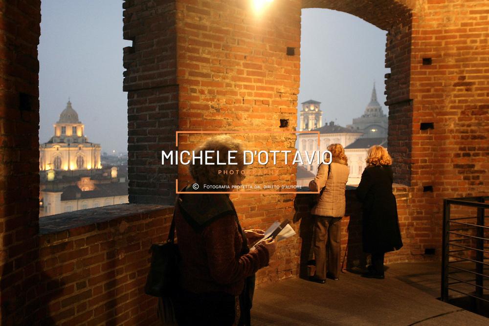 dalla torre di Palazzo Madama in  piazza Castello a Torino, si vedono la chiesa di san Lorenzo e il Palazzo Reale