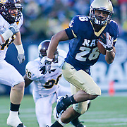 Navy RB (#26) Aaron Santiago with a 18 yd run Saturday afternoon at Marine Corps Memorial Stadium in Annapolis Maryland.<br /> <br /> Navy improves to 7-3, Navy will return home November 20 to face Arkansas State.