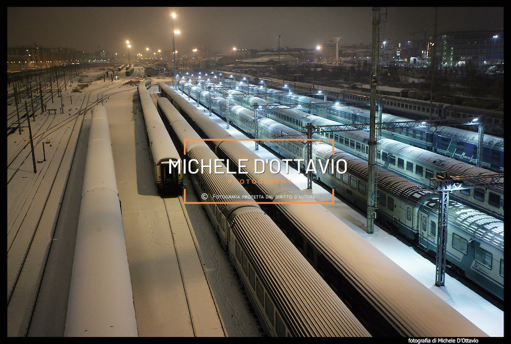 Nella foto la stazione Lingotto.. Turin under snow, Torino sotto la neve.