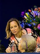 AMSTERDAM - prinses Beatrix samen met prinses Margarita bourbon de parme en haar man tjalling ten cate tijdens jumping amsterdam copyright robin utrecht