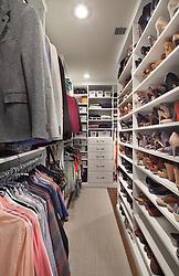 510_Inedpendence_closet_F.jpg