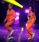 1/30/2014 - VH1 Super Bowl Blitz Concert Series - Salt-n-Pepa