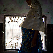 Abducted by an uncle while she was on her way to school, then 13-year-old Jaweria was drugged and raped until she fell unconscious. <br /> Now married and expecting her second baby, she tries to continue on with her life with the support of her family. <br /> Pakistan, 2011