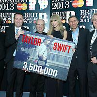 Taylor Swift Award Presentation