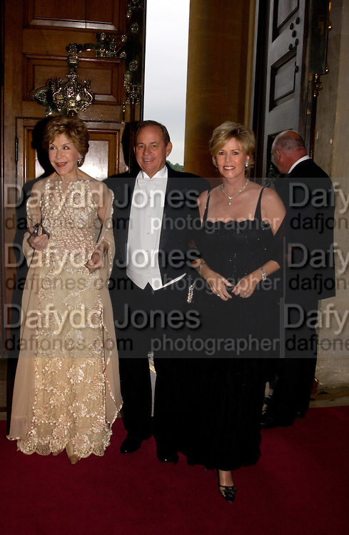 Betsy Bloomingdale, Don Koll and Kathi Koll, Ball at Blenheim Palace in aid of the Red Cross, Woodstock, 26 June 2004. SUPPLIED FOR ONE-TIME USE ONLY-DO NOT ARCHIVE. © Copyright Photograph by Dafydd Jones 66 Stockwell Park Rd. London SW9 0DA Tel 020 7733 0108 www.dafjones.com