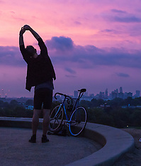 2016-09-22 Equinox sunrise over London from Primrose Hill