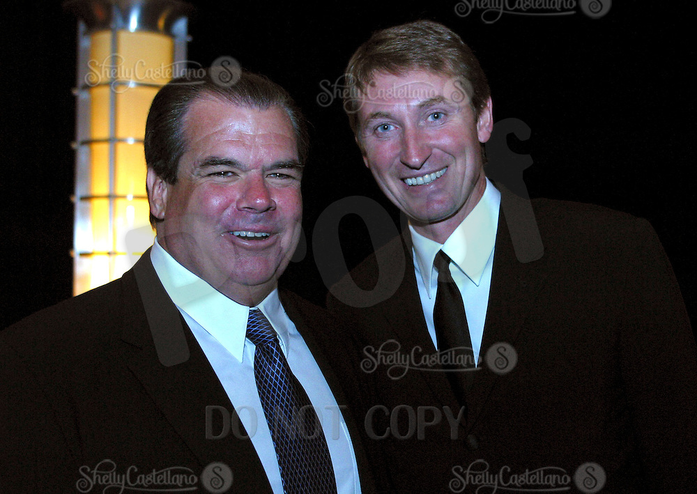 Oct 07, 2002; Los Angeles, CA, USA; NHL Hall of Famer and former Los Angeles Kings player Wayne Gretzky honored at a Jersey Retirement Charity Dinner at the Staples Center with 800 guests.  Pictured here with former owner and friend Bruce McNall..<br />