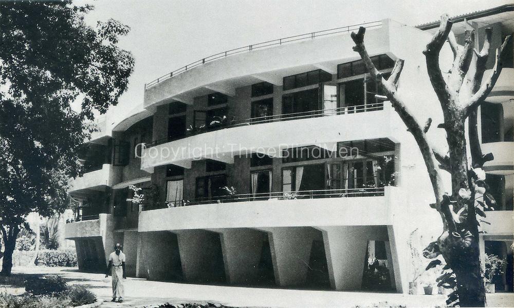 Senanayake Flats, Gregory's Road, Colombo.<br /> Architect Minette de Siva