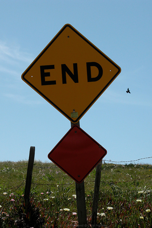 End sign, Cambria