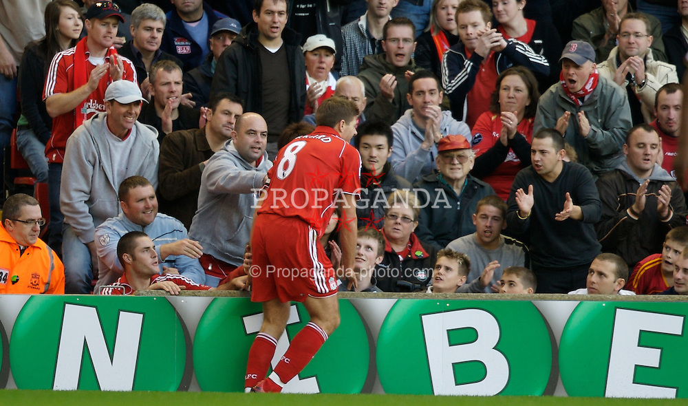 LIVERPOOL, ENGLAND - Sunday, October 28, 2007: Liverpool's captain Steven Gerrard MBE and fans during the Premiership match against Arsenal at Anfield. (Photo by David Rawcliffe/Propaganda)