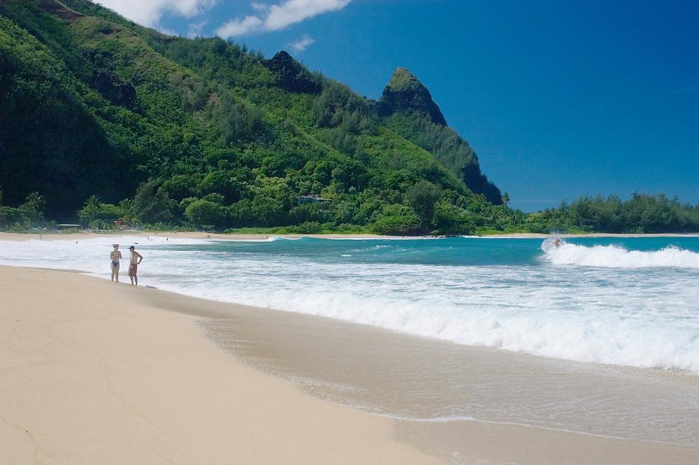 Tunnels Beach, with Bali Hai peak (Mount Makana) behind; Haena, Kauai, Hawaii.