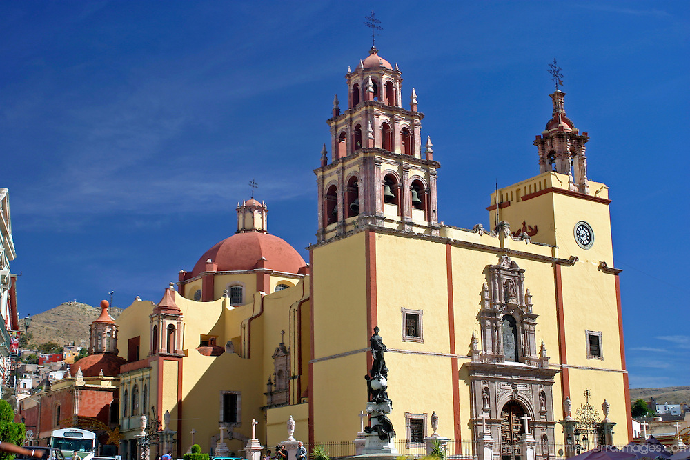 Americas, Mexico, Guanajuato. Basilica of Our Lady of Guanajuato. The city of Guanajauto is a UNESCO World Heritage Site.
