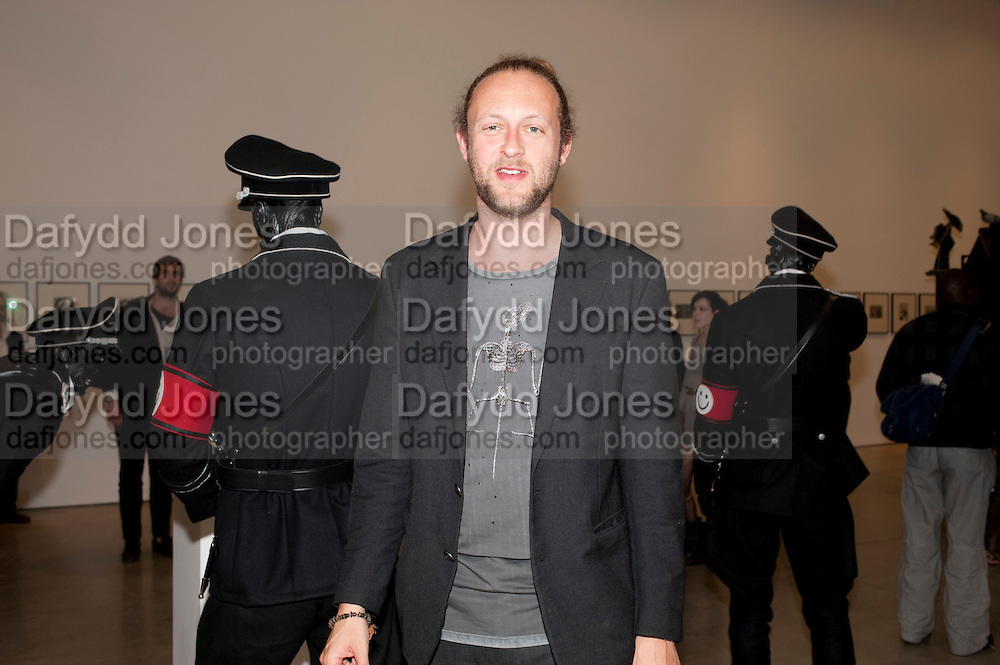 LORD ALEXANDER  SPENCER-CHURCHILL, Jake or Dinos Chapman, White Cube, Mason's Yard and afterwards at The Tab Centre, Austin Street, London E2. 14 July 2011. <br /> <br />  , -DO NOT ARCHIVE-&copy; Copyright Photograph by Dafydd Jones. 248 Clapham Rd. London SW9 0PZ. Tel 0207 820 0771. www.dafjones.com.
