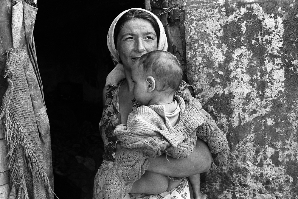 Mother and child, Nusfalau, Romania