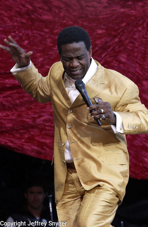 Al Green performs on United We Stand: What More Can I Give? Concert. A music benefit in support of the recovery efforts from the September 11 attack on America.  The proceeds will go to various Relief Funds. October 21, 2001 (Jeff Snyde)