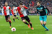 ROTTERDAM - Feyenoord - PSV , Voetbal , Eredivisie , Seizoen 2016/2017 , De Kuip , 26-02-2017 ,  PSV speler Gaston Pereiro (r) in duel met Feyenoord speler Eric Botteghin (l)