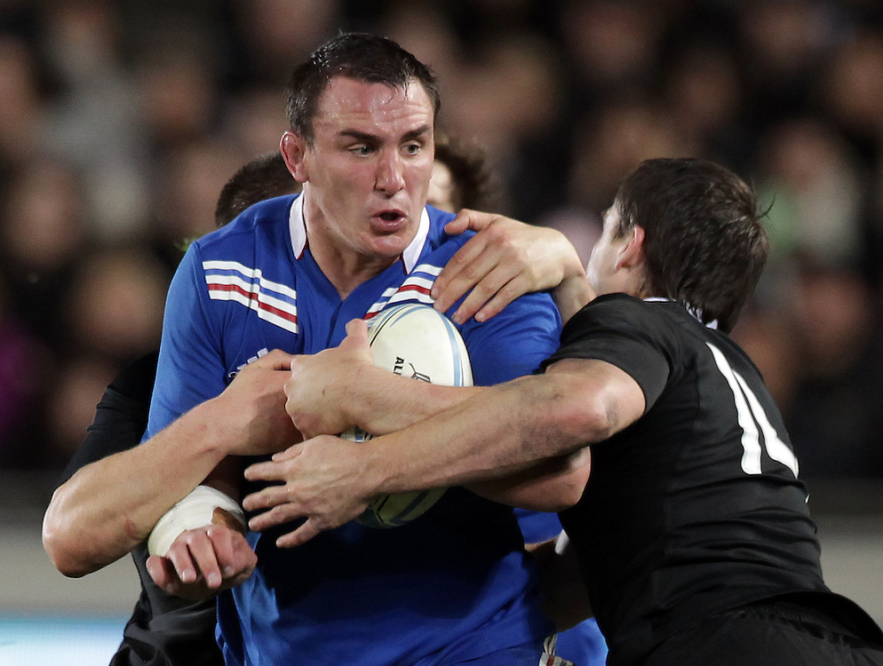 New Zealand's Ben Smith tackles France's Louis Picamoles in the 1st International rugby test match, Eden Park, Auckland, New Zealand, Saturday, June 08, 2013.  Credit:SNPA / David Rowland
