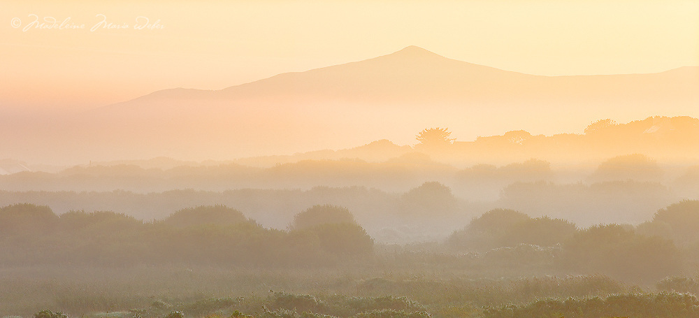 Mystical Sunrise in County Kerry, Ireland with view on Geokaun Mountain (highest Mountain of Valentia Island) / vl103