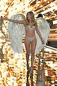 12/2/2014 - 2014 Victoria's Secret Fashion Show - London