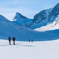 Skiers in Ringsdalen
