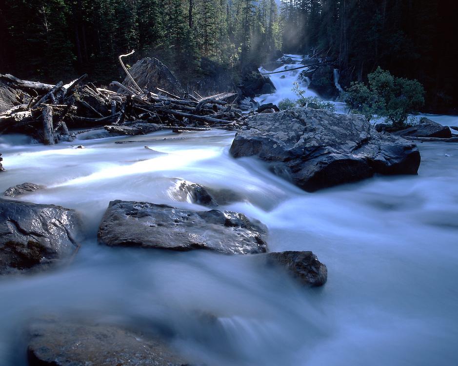 Kicking Horse Falls, Yoho river, Yoho National Park, Rocky Mountains, British Columbia, Canada