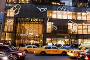 New York City Manhattan USA Fifth Avenue Trump Tower..Fifth Avenue, 5th ave, Manhattan, shopping, Einkauf, Konsum, Schaufenster, Strassenszene, Wirtschaft, Weihnachten, Weihnachtsgeschaeft, Handel, economy, shops, consumer, money, Geschaeft, stores, taxis, yellow cabs, Luxus