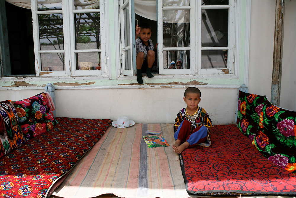In a traditional rural house, close to Kokand
