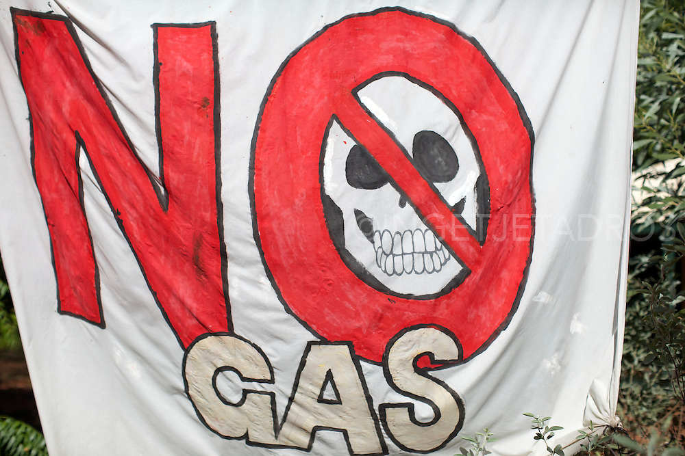 "Banner saying ""No Gas"" during a Familes of Broome gathering stating the greater percentage of Broome families do not want the proposed gas hub north of Broome at James Price Point in the Kimberley."