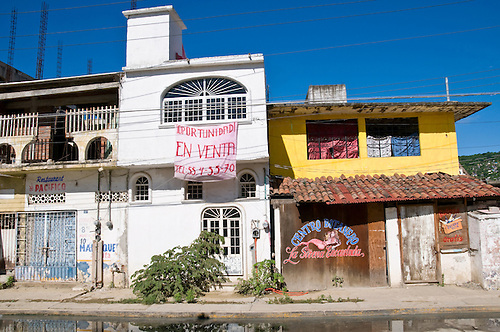 Mexican clothes stores. Cheap clothing stores