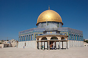Israel, Jerusalem, Old City, Dome of the Rock with the smaller Dome of the Chain in the foreground