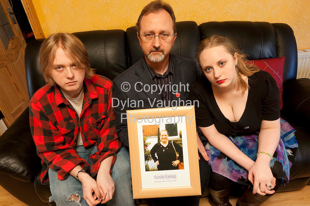 20/1/2011.ref Conor Kane Story.Conor Mac Liam and his kids Fergus Mac Liam and Aine Nic Liam pictured at home in Kilkenny yesterday..Picture Dylan Vaughan..