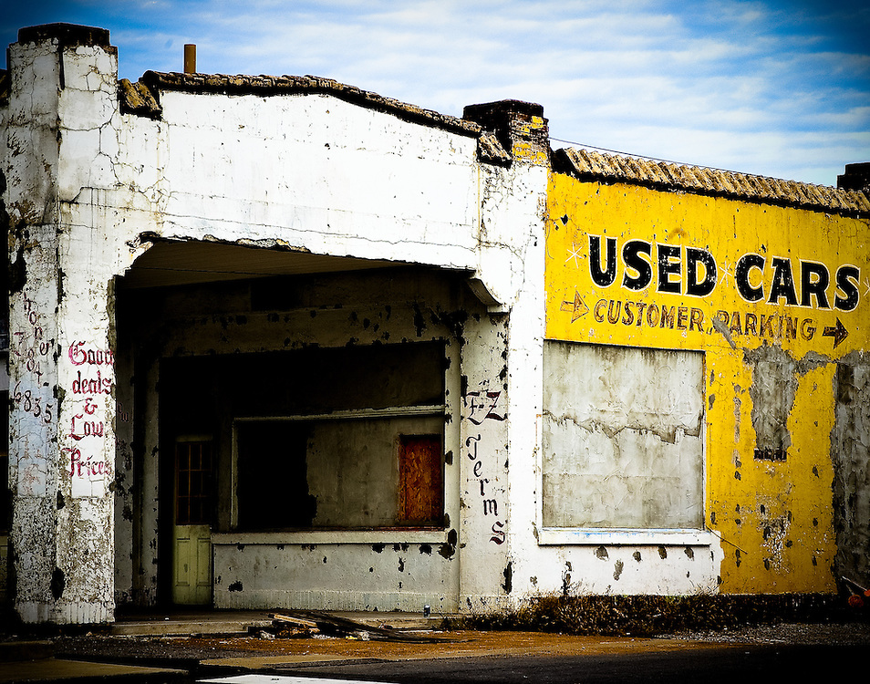 Used car building, Springfield Tennessee