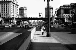 Sao Paulo, Vale do Anhangabau e Viaduto do Cha na decada de 1950. / Anhangabau Valley and Cha Viaduct in the begining of the 1950s.