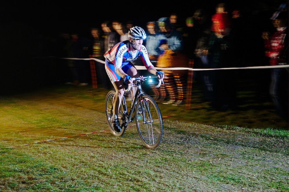 Rollapaluza Muddy Hell Halloween cyclocross race, Herne Hill velodrome. 31.10.09