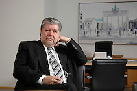 08 JAN 2007, BERLIN/GERMANY:<br /> Kurt Beck, SPD Parteivorsitzender und Ministerpraesident Rheinland-Pfalz, waehrend einem Interview, in seinem Buero, Willy-Brandt-Haus<br /> Kurt Beck, Party Leader of the Social Democratic Party, during an interview, in his office, Willy-Brandt-Haus<br /> IMAGE: 20070108-01-037<br /> KEYWORDS: Ministerpr&auml;sident