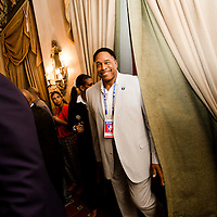 Dave Winfield enters a press conference at the Hotel Nacional de Cuba at the beginning of a goodwill trip to Havana, Cuba. (Photo by Chip Litherland/The Players' Tribune)