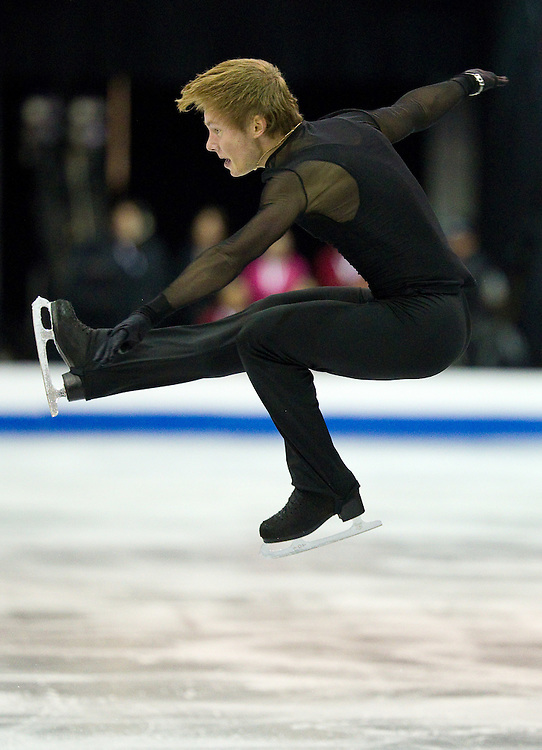 GJR414 -20111029- Mississauga, Ontario,Canada-  Alexander Majorov of Sweden skates his free skate at Skate Canada International, in Mississauga, Ontario, October 29, 2011.<br /> AFP PHOTO/Geoff Robins