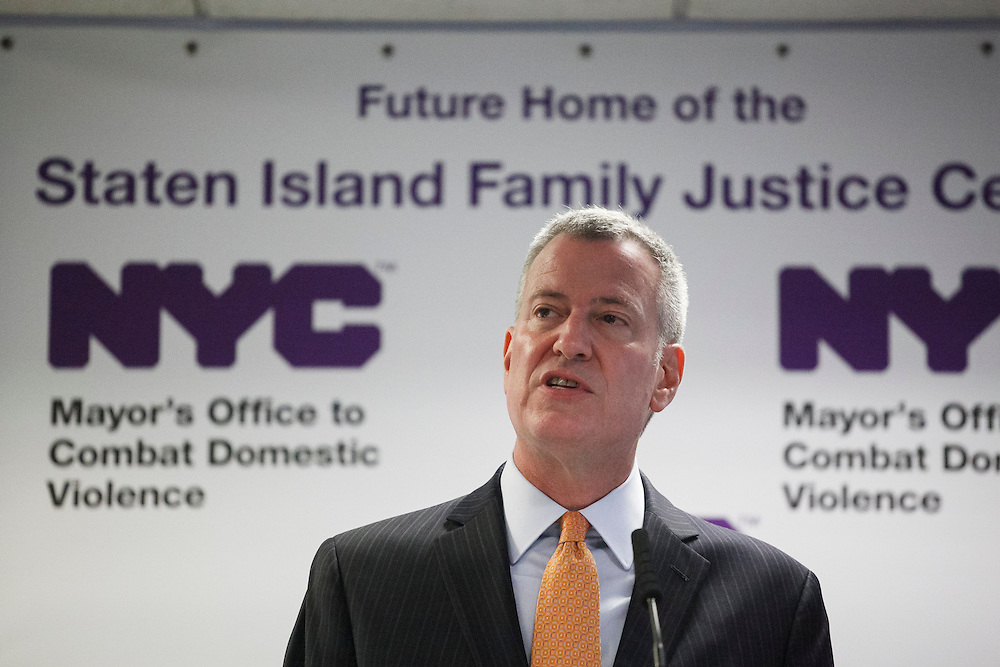 Mayor Bill de Blasio speaks at the groundbreaking of the Staten Island Family Justice Center, 126 Stuyvesant Place, Staten Island, NY on Monday, Oct. 5, 2015.<br /> <br /> Andrew Hinderaker for The Wall Street Journal<br /> NYSTANDALONE