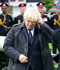 NOV 05 2013 Boris Johnson Poppy Day gun salute