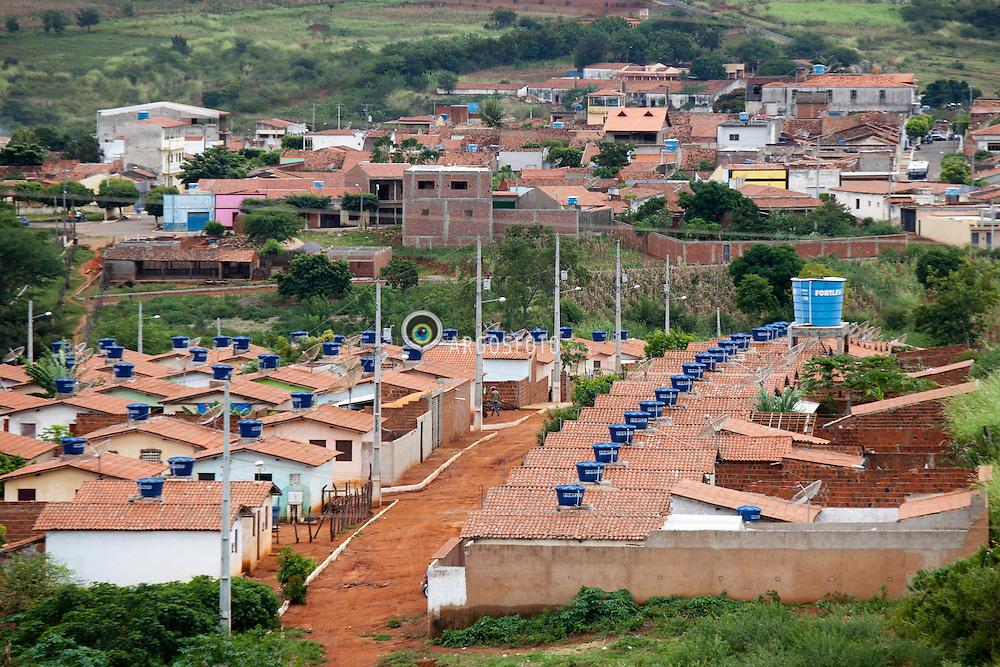 Conjunto habitacional em Santa Cruz da Baixa Verde, na serra Pernambucana. / Popular housing in Santa Cruz da Baixa Verde, Pernambuco, Brazil.