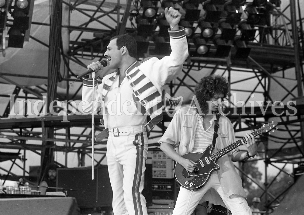 Freddie Mercury, lead singer of Queen, performing at Slane Castle, 05/07/1986 (Part of the Irish Independent Newspapers/NLI Collection).
