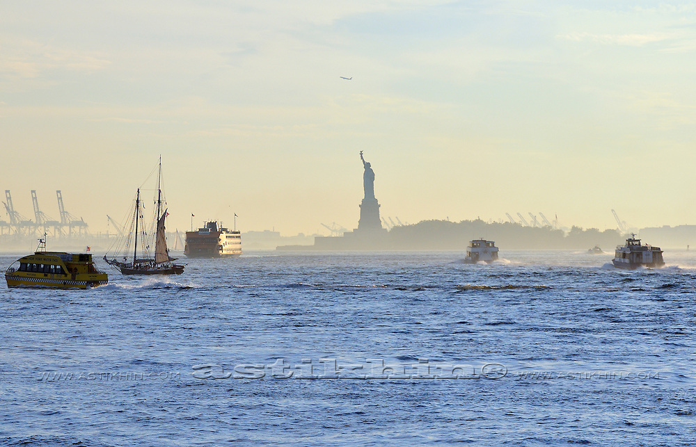 Traffic in New York harbor