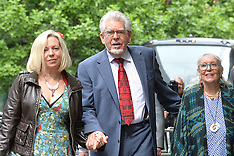 JUN 27 2014 Rolf Harris arrives at Southwark Court