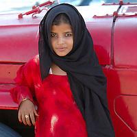 Girl, Beduin Market, Wahiba Sands, Sharqiya Region, Oman, Arabian Peninsula