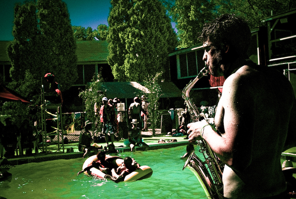 A little saxohphone to go with the good vibes at the pool.