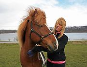 An-Magritt Morset driver med avl på islandshest, trening og konkurranser. Stugudal i Tydal. Breeding of iclandic horses.